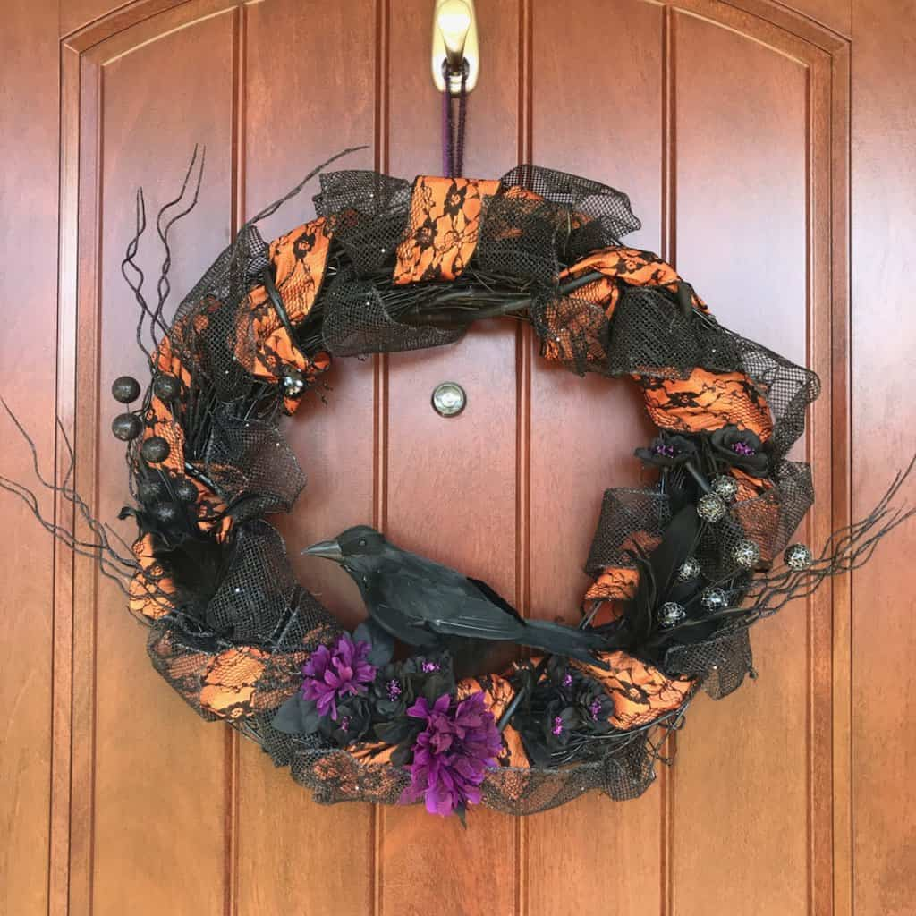 How to make a Halloween wreath with a grapevine wreath form: an easy tutorial anyone can do!