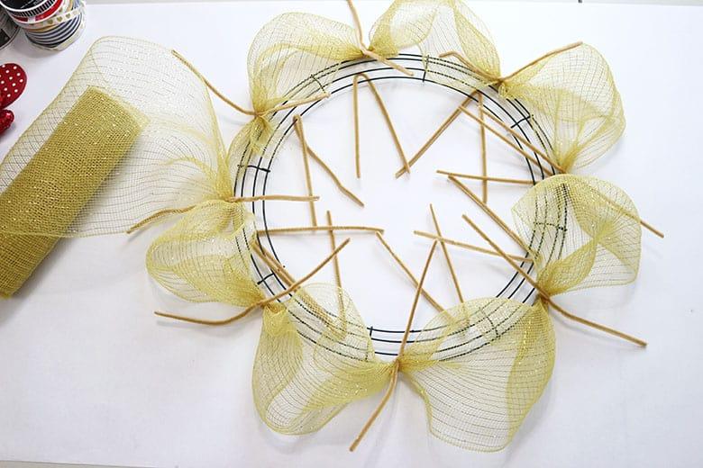 gold deco mesh wreath process