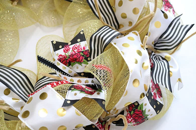 how to make a gold Valentine's deco mesh wreath