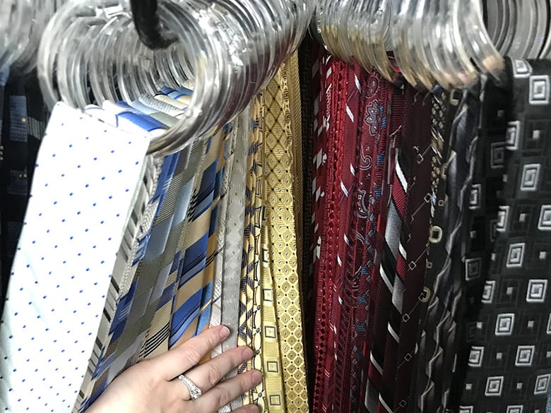how to easily organize ties