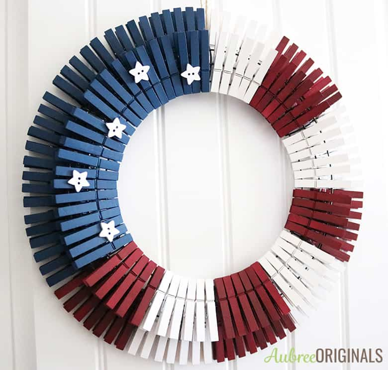 Diy Patriotic Clothespin Wreath Just In Time For The 4th