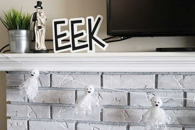 DIY lace ghost garland for Halloween