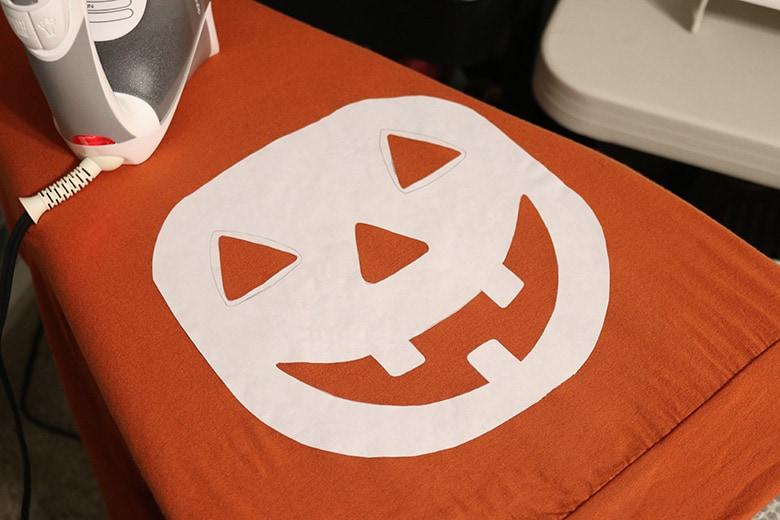 DIY jack-o-lantern maternity shirt